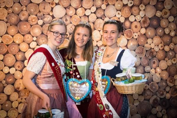 Inthronisation der Beilngrieser Volksfestkönigin mit Brauereibesuch